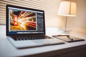 online képszerkesztő laptopon